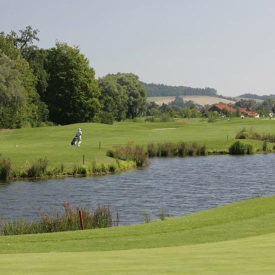 mercedes-benz-golf-course-201